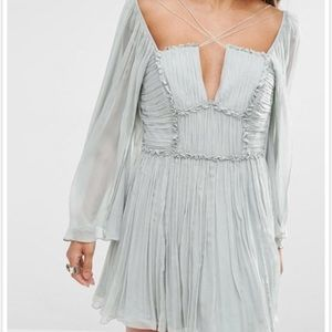 Free People Dresses - DO NOT BUY!!!! ISO IN A SIZE 0!!
